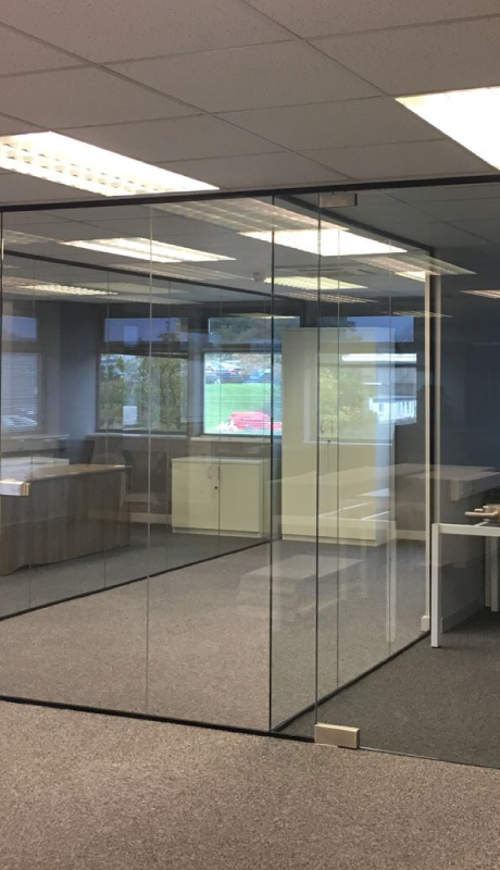 Glass partitions for offices and interiors